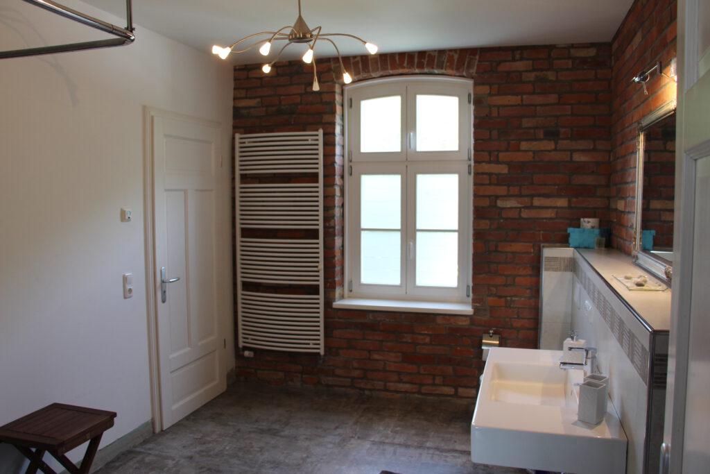 neues Badezimmer in der OG Wohnung Family